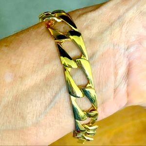 14 KT Gold Shelled Bracelet